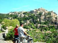 Weekend breaks in the Luberon with electric bikes