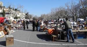 Brocante de Villeneuve lez Avignon