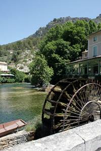 Mountain Biking Itinerary - Fontaine de Vaucluse-FONTAINE DE VAUCLUSE ©CG84