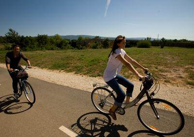 Cycling itinerary - Luberon tour by bike-ROBION ©