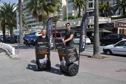 Campagne de street marketing en gyropodes Segway pour Lynx Optique Cannes