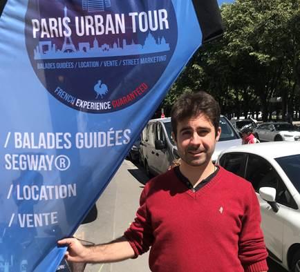 UN NOUVEAU GUIDE A PARIS