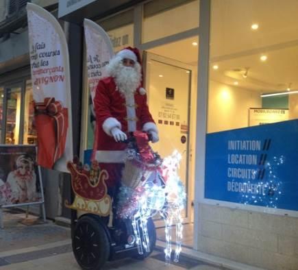 Le Père Noel en Gyropode Segway à AVIGNON
