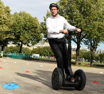 Incentive: Large-scale digital urban rally with Segway!