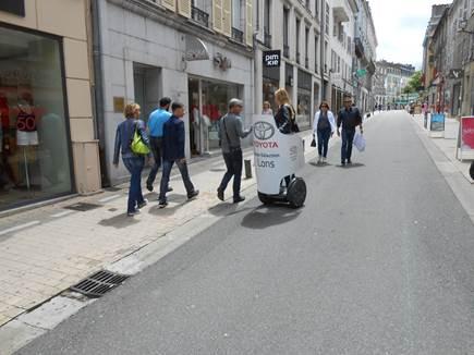 Street marketing pour la CONCESSION TOYOTA LONS 64140
