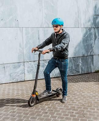 ¡Alquile su scooter eléctrico en Valenciennes!