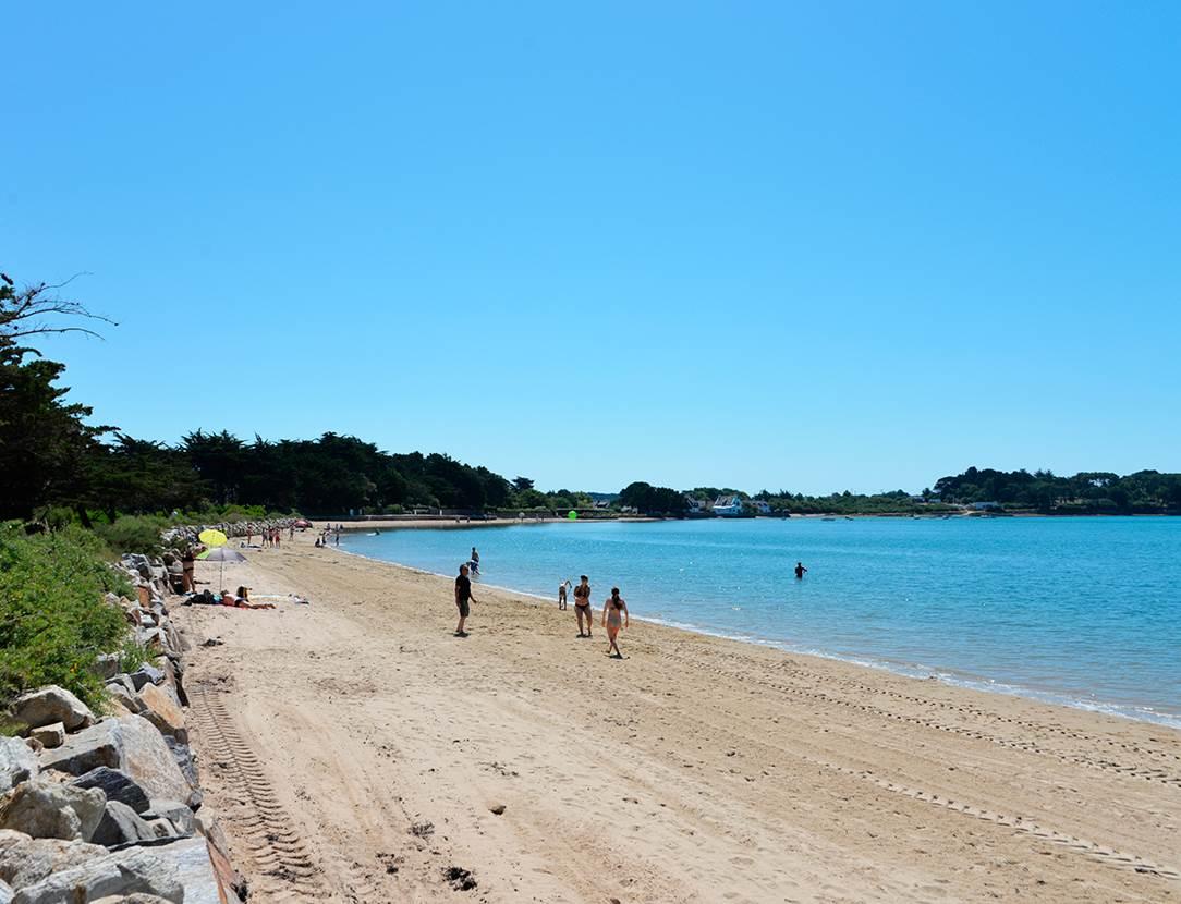 Des heures de jeux sur la plage en face du camping Ker Eden