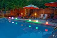 Gîtes avec piscine et jacuzzi à l'eau de source:  la Bastide des Pins