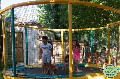 Le-bel-ete-trampoline ©