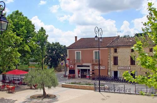 Boulangerie Sanilhacoise façade © Boulangerie Sanilhacoise