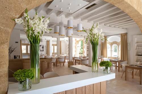 hotel restaurant le vieux castillon à castillon du gard ©