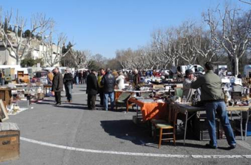 Brocante Villeneuve lez Avignon ©
