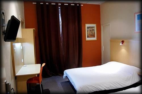 Hôtel TERMINUS AUDRANS Chambre  ©