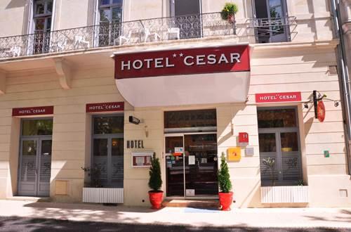 Façade de l'HOTEL CESAR ©