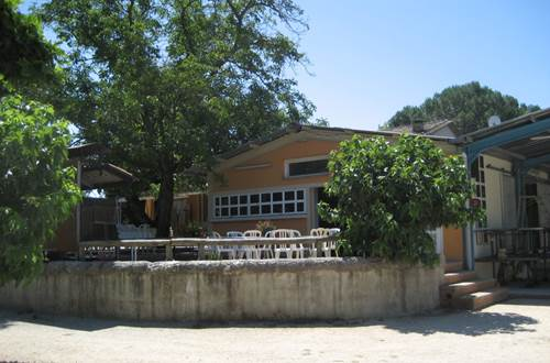 salle-camping-chercheur-d-or-cardet ©