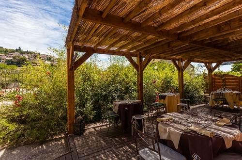 relais sarrasin vezenobres terrasse ©