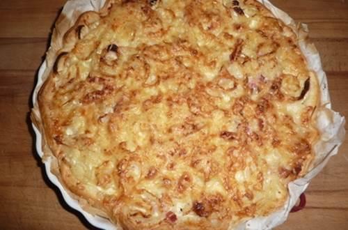 tarte aux oignons et aux lardons ©