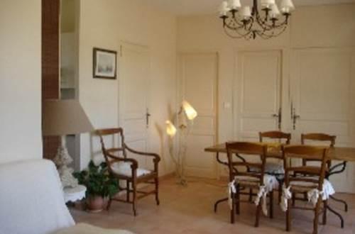 meuble-Arpaillargues-et-Aureillac1 ©