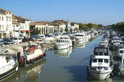 Location de bateaux sans permis, Beaucaire ©