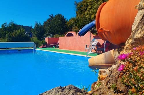P2030103piscine et sa fontaine ©