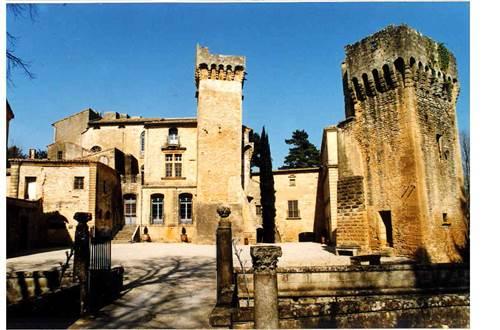 rive droite;gard;chateau de saint privat ©