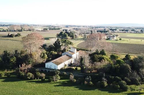 Cadre verdoyant et tranquille, mas provençal authentique du XVIIIème siècle, le Domaine du Petit Mylord ©