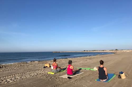 Yoga à la plage ©