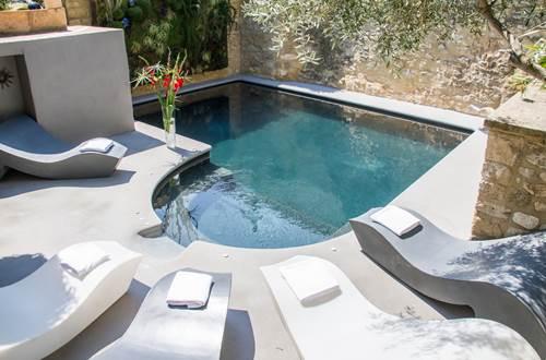 piscine le castellas © le castellas