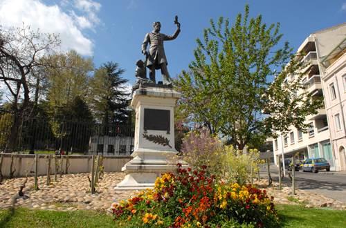 Statue Pasteur Alès ©