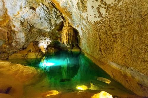 1 grotte de trabuc Lac de Minuit et gours ©