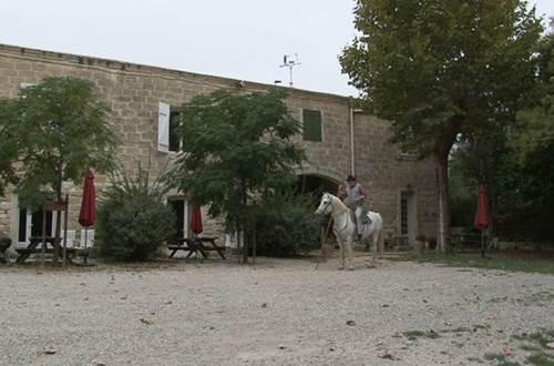 meuble-Saint-Laurent-d'Aigouze1 ©