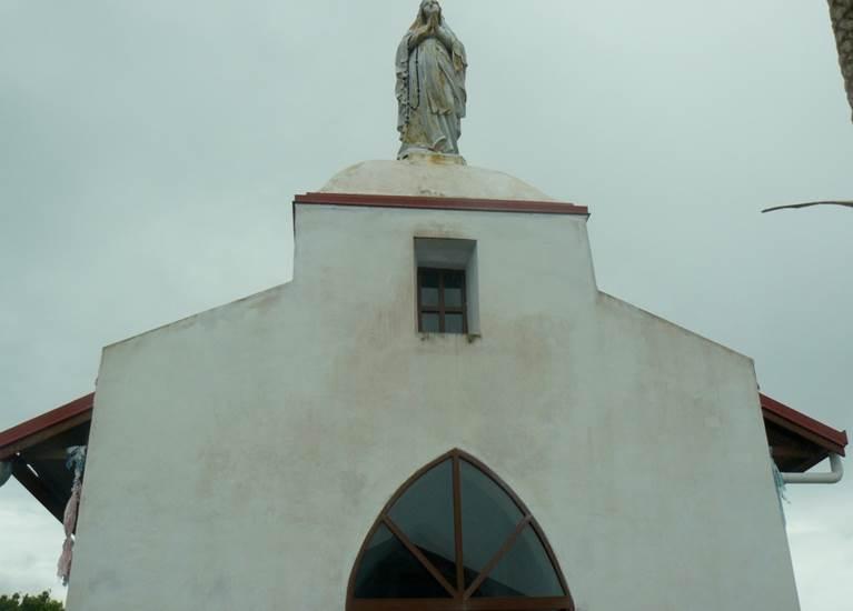 Entrée chapelle Notre-Dame-de-Lourdes